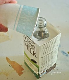 The super-fun monogrammed vase with plaster and a recycled bottle… – Jennifer Rizzo how to make reccyled bottle plaster vases Diy Plaster, Plaster Crafts, Concrete Crafts, Concrete Projects, Concrete Garden, Paris Crafts, Cement Art, Cement Planters, Concrete Art