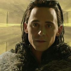 "97 Me gusta, 5 comentarios - Tom Hiddleston México (@tomhiddlestonmx) en Instagram: ""Nuestro rey de Asgard. #lokilaufeyson #lokisarmy #lokis #tomhiddlestonisperfection #hiddlesarmy…"""