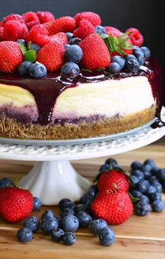 Mixed Berry Cheesecake aka Red, White, and Blue Cheesecake. LOVELY summer cheesecake made with fresh berries and fresh triple berry puree. Summer Cheesecake, Berry Cheesecake, Pumpkin Cheesecake, Cheesecake Recipes, Cheesecake Bites, Refreshing Desserts, Delicious Desserts, Yummy Food, Easy Cake Recipes