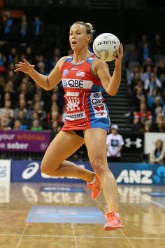Kimberlee Green looks to pass for the Swifts during the ANZ Championship Semi Final match between the Magic and the Swifts at Claudelands Arena on July 2016 in Hamilton, New Zealand. Women Volleyball, Olympic Sports, Netball, Semi Final, Sports Women, Swift, Finals, Olympics, Fit Women