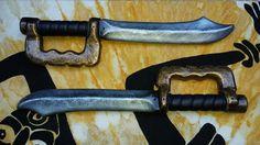 Pugnali con paramano #lps #larp #cosplay #grv #forgiadellupo #brenin #latex #weapon #lattice #armi #pugnale #knife