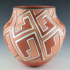 Robert Patricio medium lightning jar8b Pueblo Pottery, You Lost Me, White Clay, Native Art, Lightning, Jar, Medium, Lighting, Glass