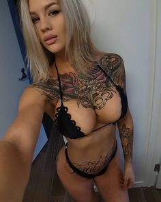 Busty Girls With Tattoos pics) Tattoo Girls, Girl Tattoos, Tattoos For Women, Tatoos, Redhead Girl, Brunette Girl, Tattoo Spirit, Photoshop, Inked Girls