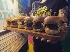 Falafel, Pulled Pork, Fried Chicken, Sliders, Burgers, Yard, Beef, Ethnic Recipes, Instagram