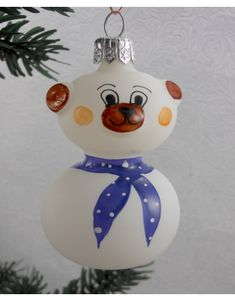 Sklenený macko 909/2001-4/1ks -modrá šatka Christmas Ornaments, Holiday Decor, Home Decor, Decoration Home, Room Decor, Christmas Jewelry, Christmas Decorations, Home Interior Design, Christmas Decor