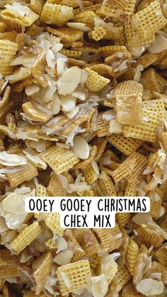 Christmas Dishes, Christmas Snacks, Christmas Baking, Chex Mix Recipes, Snack Recipes, Dessert Recipes, Yummy Snacks, Delicious Desserts, Yummy Food