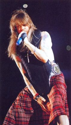 Axl Rose is soo flippin Awesome
