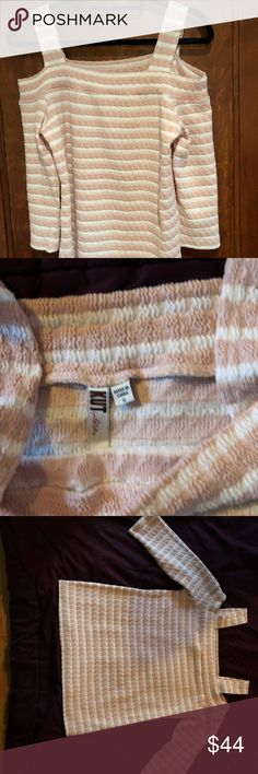 NWOT Cute pink and white striped cold shoulder top Pink And White Stripes, Cute Pink, Fashion Tips, Fashion Design, Fashion Trends, Cold Shoulder, Pink Ladies, Medium, Big