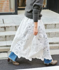 【ZOZOTOWN】IENA(イエナ)のスカート「LUANA レース巻きスカート◆」(18060910002910)を購入できます。