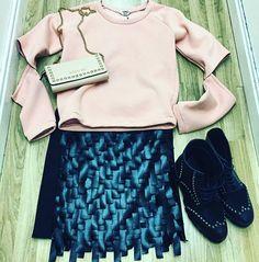 Newoutfit. ...IPINK ROCK LADY # felpacycle 64 # gonna frange Luxury fashion104 #portafoglioMIABAG 75 Www.pegboutique.com. ..scopri i super sconti del nostro Outlet!!!