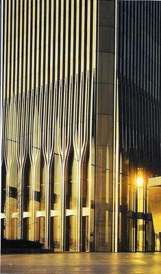 mene mene tekel upharsin ➖➖ World Trade Center World Trade Center Nyc, Trade Centre, Dubai Skyscraper, Washington Square, City That Never Sleeps, Jolie Photo, Modern Buildings, Empire State Building, New York City