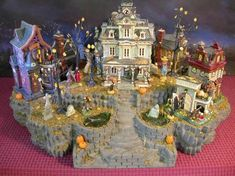 In love with this display for Grimsly Manor dept 56 piece