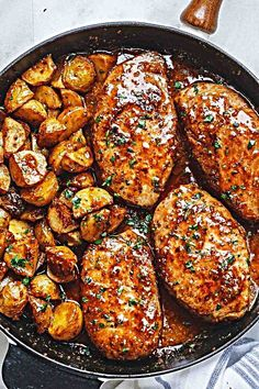 Mustard Pork Chops and Potato Skillet Honey Mustard Pork Chops and Potatoes Skillet - Best ever melt in your mouth, super delicious pork chops!Honey Mustard Pork Chops and Potatoes Skillet - Best ever melt in your mouth, super delicious pork chops! Skillet Pork Chops, Tender Pork Chops, Pork Chops And Potatoes, Baked Pork Chops, Pork Sirloin Chops, Healthy Pork Chops, Meat And Potatoes Recipes, Pork Sirloin Cutlets Recipe, Pork And Rice Recipes