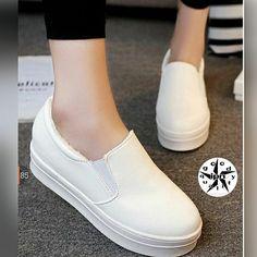 Sepatu Espadrilles Wanita ·
