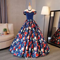 Cheap new quinceanera dress, Buy Quality dresses for 15 directly from China sweet 16 dresses Suppliers: Fashion New Quinceanera Dresses Sweet 16 Dresses for 15 years Ball Gown Floral Cheap Quinceanera Gowns Sale vestidos de 15 anos Red Prom Dresses 2017, Quinceanera Dresses, Homecoming Dresses, Formal Dresses, Dress Robes, Dress Outfits, Fashion Dresses, Evening Party Gowns, Evening Dresses
