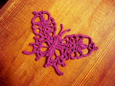 Butterfly can be made out of size 80 thread using size 12 or 13 hook or out of size 10 thread using size 7 or 8 hook.