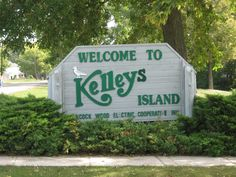 Welcome to Kelleys Island. Clearly, I really need to visit this place.
