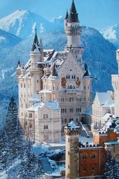 The most beautiful places in the world to get married | Neuschwanstein, Germany