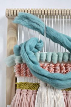 Easy Weaving with Little Looms: A Special Issue of Handwoven, Digital Edition Love the look of woven wall hangings? Easy Weaving with Little Looms has instructions to help you create your own, with varied yarns, stitches, and other techniques. Weaving Textiles, Weaving Art, Weaving Patterns, Loom Weaving, Tapestry Weaving, Hand Weaving, Wall Tapestry, Weaving Wall Hanging, Wall Hangings