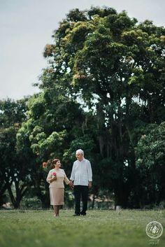 Aura y Efrain Bodas de Oro 50 años de amor Mucho que celebrar, mucho por agradecer!  I Fotografia de Bodas    Contáctanos ✆ : 3173829422 - 3164670564 instagram:https://www.instagram.com/adrijeffphotography/  twitter: https://twitter.com/AdriJeff_Photo/  pinteres:https://es.pinterest.com/adrijeff_photography/  vimeo: https://vimeo.com/adrijeffphotography #Fotografia #Parejas #Bodas #Bucaramanga #Compromisos #Fotografiadebodas #love #weddingphotography #weddingdress #wedding