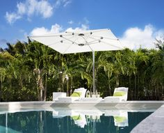 We all love lounging around a glistening pool whilst soaking up the sun. However, sometimes it can be just a little too hot. With the max cantilever you can easily open and close the canopy to insure you are always enjoying your time by the pool.