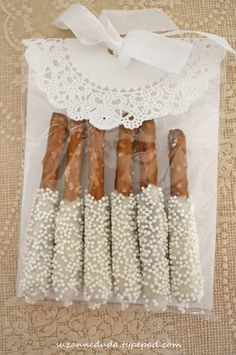 Fancy dipped pretzels. Love the bag these are in. Great for a wedding or even the holidays.