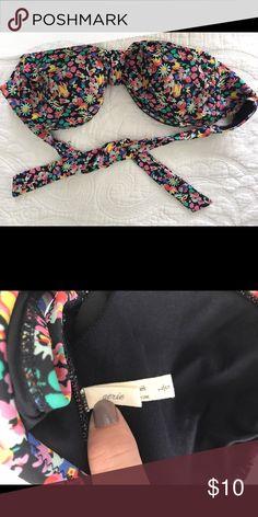 Aerie strapless bikini top Gently used, looks brand new aerie Swim Bikinis