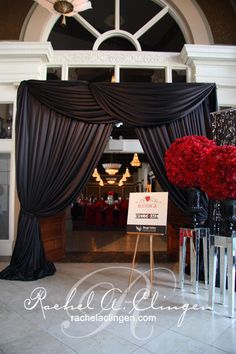 Wedding Dress Trendy Wedding Elegant Decoration Event Design Black Tie Ideas Buying a Swimsuit: Red Rose Arrangements, Rosen Arrangements, Wedding Backdrop Design, Wedding Backdrops, Prom Decor, Gala Dinner, Masquerade Party, Masquerade Wedding Decorations, Deco Table
