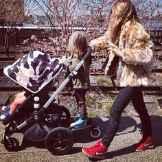 Ascot Friday cruises the highline in NYC #Bugaboo #AndyWarhol