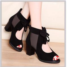 Commandez new arrival high-heeled shoes fashion vintage pumps,ladys sexy sandals for women sur Wish - Acheter en s'amusant Heeled Boots, Shoe Boots, Shoes Heels, Ankle Boots, Mein Style, Shoes With Jeans, Luxury Shoes, Luxury Dress, Vintage Shoes