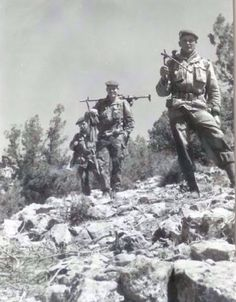 Légionnaires of the french 1er REP (Airborne) during combat Ops against the Ménouar katiba,12-14 Feb. 1959