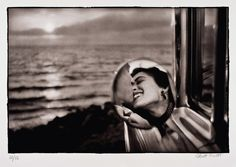 Photo: Elliot Erwitt, Platinum Print. Elliot is a fantastic photographer who falls in line with the great Henri Cartier-Bresson.    #photography #photojournalism #ellioterwitt