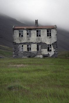 Abandoned farmhouse in Iceland. Iceland seems like a magical place and I love abandoned buildings. Abandoned Buildings, Old Abandoned Houses, Abandoned Mansions, Old Buildings, Abandoned Places, Old Houses, Abandoned Castles, Spooky Places, Haunted Places