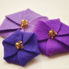 Learn how to make this lovely and simple felt flowers