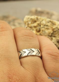 His and Her tree sterling silver wedding bands by WeddingRingsStore. Couple tree bark wedding bands set, Unique tree bands, His and Her bands set Gold Wedding Rings, Wedding Ring Bands, Wedding Jewelry, Boho Jewelry, Handmade Jewelry, Unique Diamond Engagement Rings, Vintage Engagement Rings, Love Knot Ring, Tungsten Mens Rings
