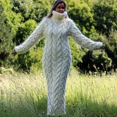 New super sexy Women Cable Hand knitted mohair long dress turtleneck white Cream color fuzzy and fluffy by Extravagantza Chunky Knit Cardigan, Cable Sweater, Mohair Sweater, Wool Sweaters, White Sweaters, Gros Pull Long, Maxi Robes, Winter Mode, How To Purl Knit