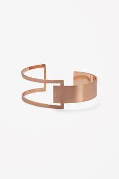 Two Tone Sterling Silver Rose Cut Bracelet Promo – Modern Jewelry Minimal Jewelry, Modern Jewelry, Metal Jewelry, Jewelry Art, Silver Jewelry, Jewelry Accessories, Jewelry Ideas, Bijoux Design, Jewelry Design