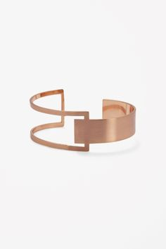 Cut-out bangle from COS