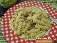Pasta cremosa alle zucchine spinose insaporita con la salsiccia, in quanto la zucchina spinosa, ha un sapore neutro e delicato. Questapasta ..