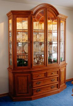 China cabinet/bar, I like it... would like it more without the wine ...