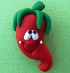 Polymer Clay Fridge Magnet HOT PEPPER por ClayCutiesbySabrina Polymer Clay Magnet, Clay Magnets, Polymer Clay Ornaments, Polymer Clay Figures, Fimo Clay, Polymer Clay Charms, Polymer Clay Projects, Polymer Clay Creations, Clay Crafts