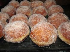 Boules de berlin au thermomix - A table avec doro - Dominik Sexton Sweet Cooking, Cooking Chef, Bread And Pastries, French Pastries, Beignets, Bakery Recipes, Cookie Recipes, Carnival Food, Brioche Bread