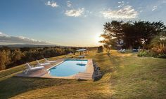 Graced with three overlapping flower zones, and only from Oudtshoorn, the 2000 hectare accredited DeZeekoe Guest Farm is part of one of the. Beautiful Farm, Beautiful Places, Farm Stay, Stars At Night, At The Hotel, Best Location, Cool Rooms, Great View, Stargazing