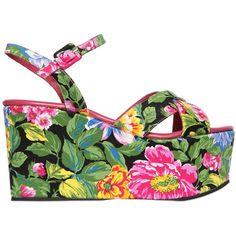 Massimo Lonardo Women 100mm Floral Silk Satin Platform Sandal ($280) ❤ liked on Polyvore featuring shoes, sandals, multi, wedges shoes, floral print wedge sandals, floral platform sandals, platform sandals and floral shoes