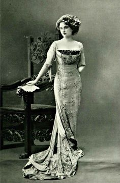 Gown, 1909.