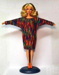 Sticka till Barbie 851-900 Barbie Knitting Patterns, Knitting Dolls Clothes, Knitted Dolls, Doll Patterns, Crochet Clothes, Diy Barbie Clothes, Barbie Clothes Patterns, Baby Doll Clothes, Crochet Dolls