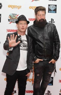 Jim and Corey!!! So sad that jim root is no longer in stone sour :(