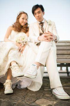 気取らないウエディング。ドレス×スニーカーがお洒落でステキ♡ Wedding Shoot, Wedding Engagement, Engagement Photos, Dream Wedding, Wedding Images, Wedding Pictures, Engagement Inspiration, Wedding Inspiration, Wedding Logos