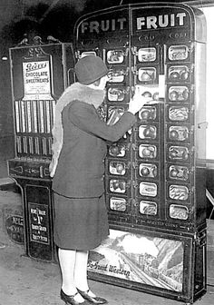 Lond Railway station : GWR prided itself on being on the cutting edge of innovation with its vending machines.