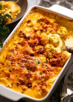 Cauliflower Cheese in a baking dish, fresh out of the oven ready to be served Cauliflower Cheese Bake, Cauliflower Casserole, Cauliflower Recipes, Side Dish Recipes, Vegetable Recipes, Vegetarian Recipes, Cooking Recipes, Dinner Recipes, Easy Recipes